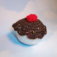 Plush cat toy cupcake, stuffed with special organic catnip blend