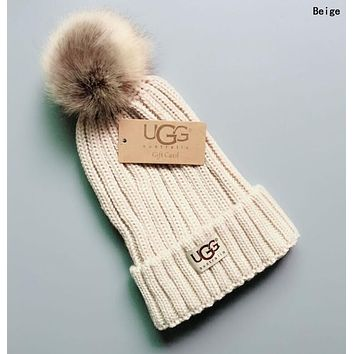 UGG Winter Classic Fashionable Women Men Warm Knit Hat Woolen Cap Beige