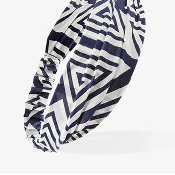 FOREVER 21 Ruched Geo Print Headwrap Navy/Cream One