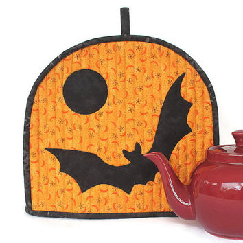 Halloween Tea Cozy, Quilted Bat Tea Cosy, Teapot Cover, Insulated Tea Cozy, Teapot Warmer, Quiltsy Handmade
