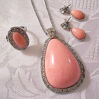 Pink Coral Marbled Necklace Pierced Earrings Ring Silver Tone Vintage Avon 1974 Pale Fire