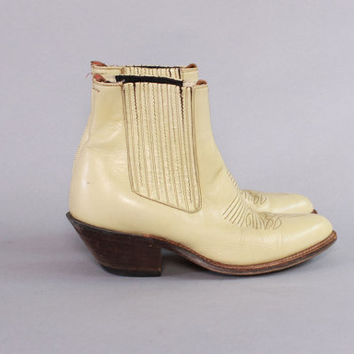Vintage 70s BOOTS / 1970s Ivory Leather CHELSEA Pointy Western Ankle Booties 8 1/2