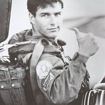 Top Gun Maverick Thumbs Up! Tom Cruise Poster 24x36