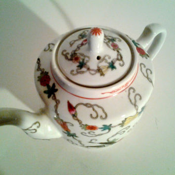 1940's Chinese Colorful Painted Teapot...