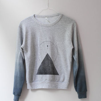 THE PYRAMID N.2  /  new age dip dye sweater /  light gray . black . shades of blue