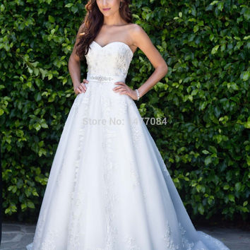 Luxury Sweetheart Beaded Bridal Ball Gowns Embroidered Lace Wedding Dresses 2015 New Custom Made