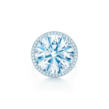 Tiffany & Co. - Ring in platinum with a 12.45-carat diamond.