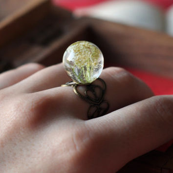 Real Flower Resin Ring, Botanical Jewelry, Queen Anne's Lace Sphere on Filigree Ring