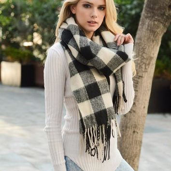Buffalo Western Plaid Tassel Scarf (Black)