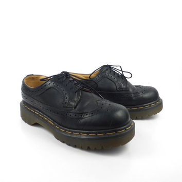 Doc Martens Oxfords Vintage 1990 Wingtips Black Leather Oxfords Platform Shoes UK size 5