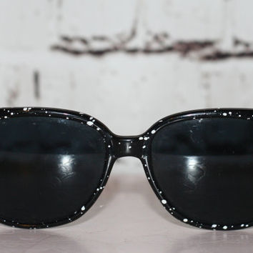 90s sunglasses sunnies oversize black and white paint splater grunge hipster hippie festival pastel goth horn rimmed oversized 70s 80s