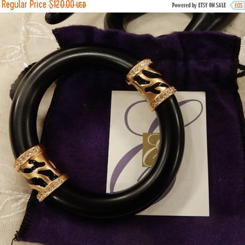 Boxing Day Sale Vintage Elizabeth Taylor for Avon Zebra Stripe Collection Bangle