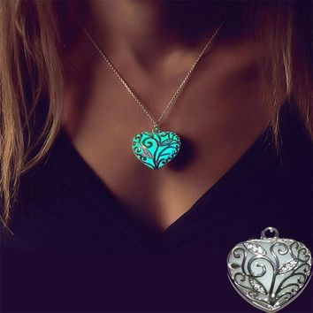 YimYik Glow In The Dark Necklaces Heart Pumpkin Glowing Stone Luminous Necklaces Silver Color Fluorescent Necklace Black Friday
