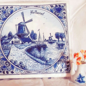 Delft Holland Printed Napkins 20 count New In package Windmill Holland Theme Delft Blue