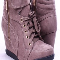 TAUPE NUBUCK SUEDE VELCRO FRONT STRAP SNEAKER WEDGES