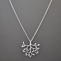 Matte Rhodium plated leafy branch pendants necklace.