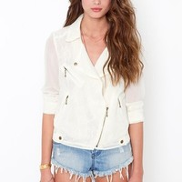 Hidden Lace Jacket - Cream in Sale at Nasty Gal