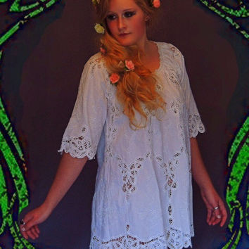Crochet lace boho mini dress in quality white cotton / barefoot beach wedding / hippie gown / or everyday little beauty
