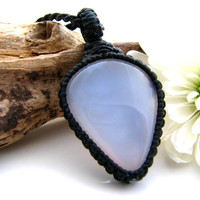 Chalcedony Necklace / Baby blue / Soft blue / Healing stones and crystals / Dreamy / Boho / Hippie chic / Macrame Necklace / Spring colors