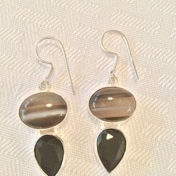 Striped Onyx and onyx sterling silver earrings