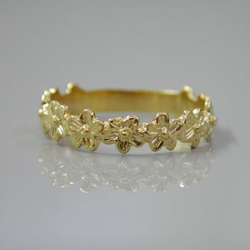 Gold Flowers Ring  - 18K Gold Plated Flower Band Ring -  Daisies Tiara Ring - Wedding Jewelry