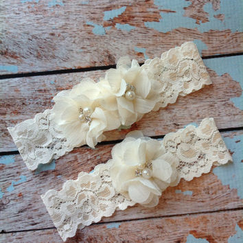 IVORY CHIFFON wedding garter set / bridal garter/ lace garter / toss garter included / wedding garter / vintage inspired lace garter