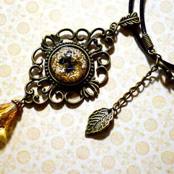 Dried Flower Butterfly Steampunk Resin Choker Amber Color Victorian Style Necklace Eco-Friendly Resin Hemisphere