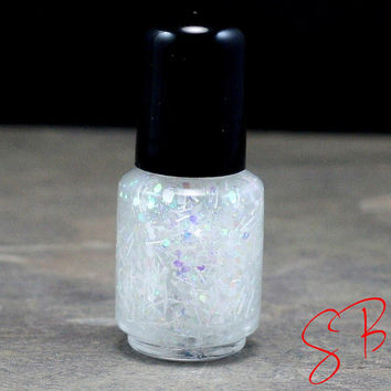 New-Shes sNOw Angel Glitter Nail Polish Lacquer (Iridescent & white bars and hexes) Full size .05oz/15ml Bottle