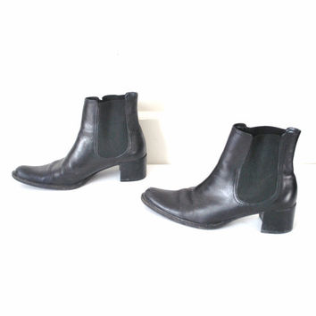 size 7.5 black CHELSEA boots / vintage 90s POINTY toe chunky heel rock and roll ANKLE boots