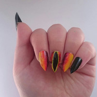Lord of the Rings Glue On Fake Nails / Nail Art / Short Reusable Comicon Nails / Stiletto Eye Of Sauron Press On Fake Artificial Nails