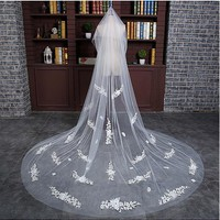[31.99] In Stock Gorgeous Tulle Cathedral Wedding Veil With Lace Appliques - dressilyme.com