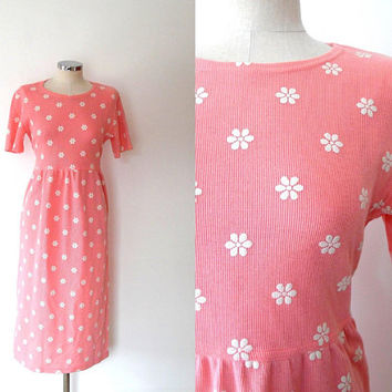 Pink and white daisy print maxi dress / flower print / vintage / retro / 1980s / short sleeve / stretchy / full length / ribbed tshirt dress