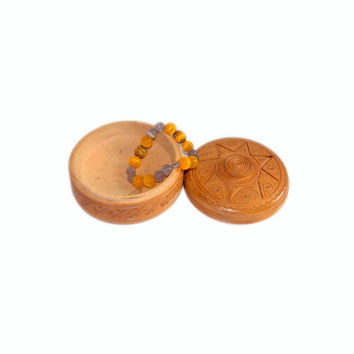 Wooden carved box, Vintage Jewelry box, Box 1960s, Round jewelry box, Jewelry box handmade, Wooden box, Small jewelry box, Ukraine, For her
