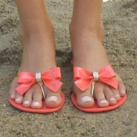 Coral/Gold toe post sandal from Chockers Shoes