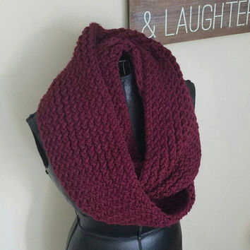 Chunky Maroon knitted infinity scarf