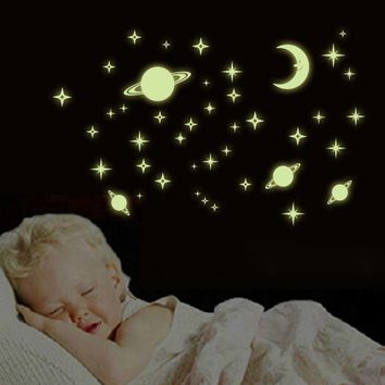 3D Wall Stickers For Kids Rooms Baby Decal Luminous The Stars Glow In The Dark Decoration Wall Sticker Home Decor Fluorescent