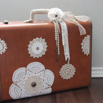 Romanic Cottage Chic Vintage Samsonite Suitcase by JoliesCutesies