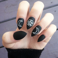 Occult fake hand-painted stiletto nails