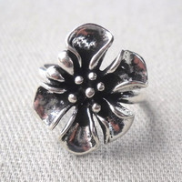 925 Sterling Silver Flower Ring  Size 6