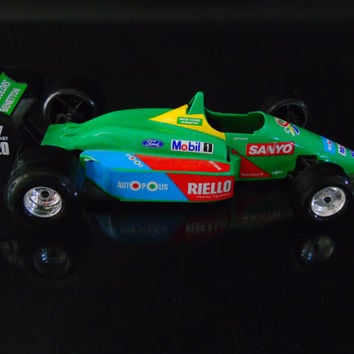 Burago Race Car Vintage United Colors of Benetton Ford B 188 1/24 Scale Bburago Italy Nelson Piquet