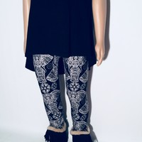 Girls Elephants Leggings Black/White:  S/M/L