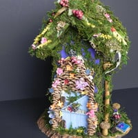 Woodland fairy house. Fairy treehouse, fairy furniture, miniature furniture, fairy garden, indoor garden.