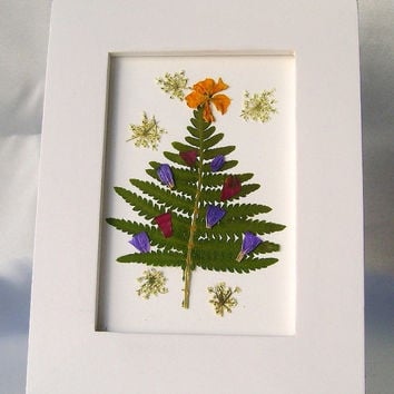 Pressed flower Christmas tree picture - Miniature Christmas tree - Holiday table top decor - Real botanicals - Preserved ferns and flowers