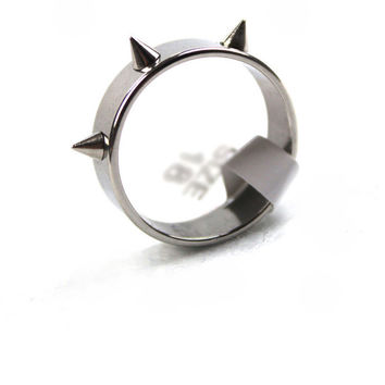 Hot Sale Titanium Stainless Steel Man Rings Punk Spike Rivet Cone Coyotes Women's Ring Jewelry