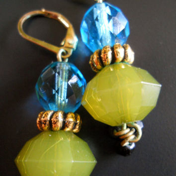 Vintage Earrings Faceted Glass Lucite Green Blue Lever Back
