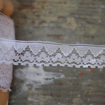 "Vintage Fine White Lace Trim Geometric Floral Lace Border 3/4"" wide, PER METRE Square Scalloped Edging on netting"