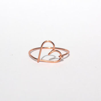 Rose Gold Leaning Heart Wire Ring