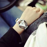 BIG SALE On Women Hollow Watches Vintage Leather Fashion