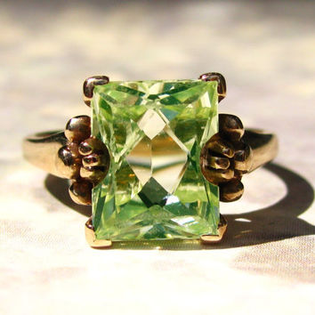 Vintage Emerald Cut 3.79ct Yellow Green Gemstone Ring Alternative Engagement Ring 10K Yellow Gold August Birthstone Ring Size 6!