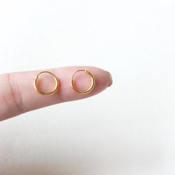 Gold Hoop Earrings, Tiny Gold Hoop Earring, Cartilage, brow, lip piercings, kids earring, Helix earring, Cartilage Hoop, 10mm Loop Earring
